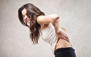 2 типа причин тянущей боли в пояснице и выделений у женщин, терапия паталогии